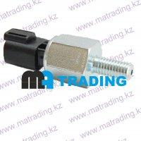 320/04046 Датчик давления масла JCB 3cx 4cx Switch oil pressure